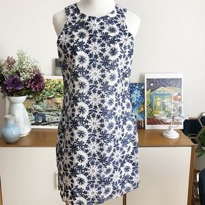 Francesca's Collections Dresses - Floral/Holiday Shift Dress